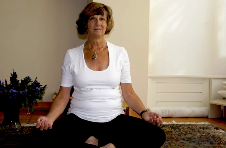 Yoga_actmari